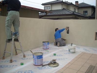 テラスと塗り壁