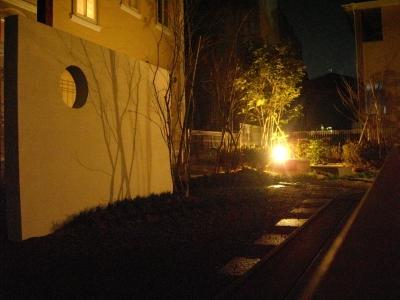和モダンの庭/ライトアップ