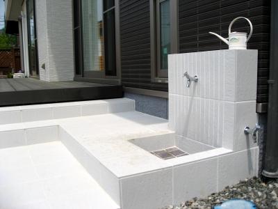 宮城県富谷町/蛇口が二つで機能的な水栓/エクステリア&ガーデンのジーランド