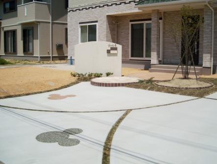 宮城県柴田町/駐車スペースにミッキー/ガーデン&エクステリアのジーランド