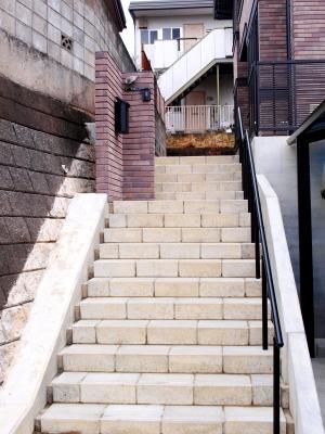 宮城県角田市/ブラックのカラーが渋い門壁/ガーデン&エクステリアのジーランド