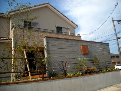 宮城県名取市/フェンス越しのお家/ガーデン&エクステリアのジーランド