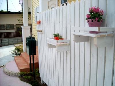 宮城県多賀城市/フェンスの飾り棚/エクステリア&ガーデンのジーランド