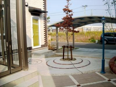 宮城県名取市/庭から道路を見る/エクステリア&ガーデンのジーランド