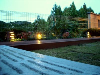 宮城県仙台市/夜の植栽スペース/エクステリア&ガーデンのジーランド