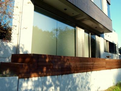 宮城県仙台市/はき窓に面したデッキ/エクステリア&ガーデンのジーランド
