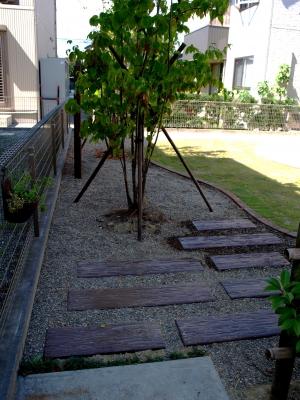 宮城県富谷町/枕木風のステップ/エクステリア&ガーデンのジーランド