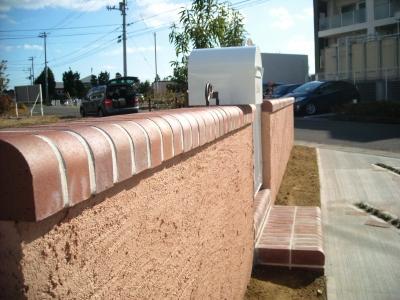 宮城県大和町/門壁の笠にD型レンガ/エクステリア&ガーデンのジーランド
