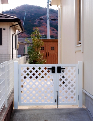 宮城県仙台市/お庭へ誘うゲート/エクステリア&ガーデンのジーランド